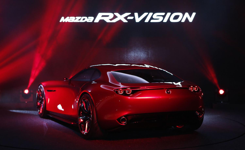 こちらはRX-VISIONのリア。この2015年の時点では「マツダはロータリーの研究・開発を継続しています」と公言していた