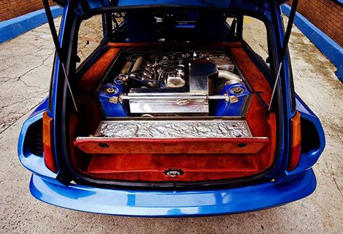 5のスポーツモデル、アルピーヌの1.4ℓOHVエンジンにギャレット製インタークーラーを装着し、最高出力は93psから160hpまで高められた