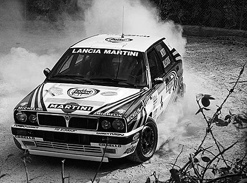 '88年のシーズン途中で投入されたHFインテグラーレは快進撃を続けイタリア人ラリードライバー、ミキ・ビアシオンが'88年、'89年ドライバーズタイトルを連覇した(写真は16Vモデル)