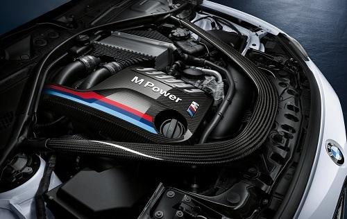 昔に比べて直6搭載モデルは減ったものの、いまだに「BMW=直6」というイメージはとても強い。特にM4などのツインターボは気持ちのいいエンジンだ