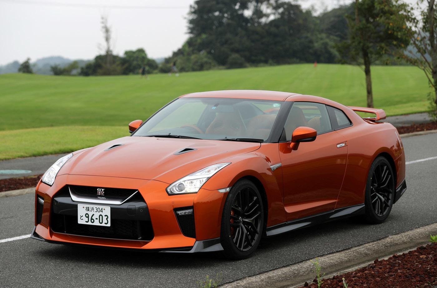 現行型GT-Rもデビューから10年が経過。毎年外観、内装、エンジン等に細かい進化が加えられている