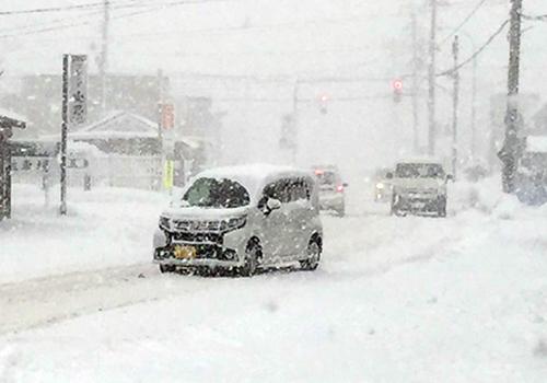 大雪が降っている雪国から帰ってくると、天井に大量の雪が残ることもあるが、降雪が落ち着いた場所で、可能ならば雪落としをしてもらいたい