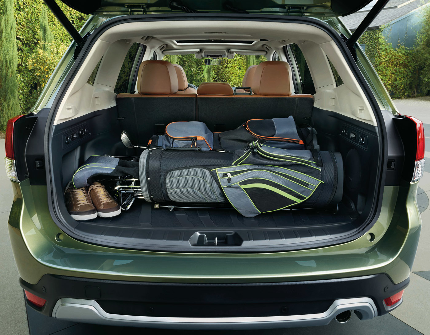 SUVならではの、積載性を確保したラゲッジも公開。使い勝手は歴代モデルのなかでも高そう