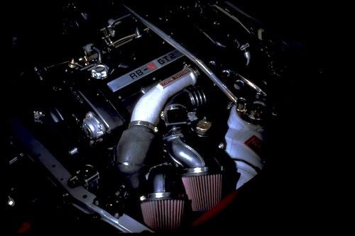 400Rに搭載された「RB-X」。ワークスチューニングの2.8Lエンジンはこの後も決して市販されることはなかった