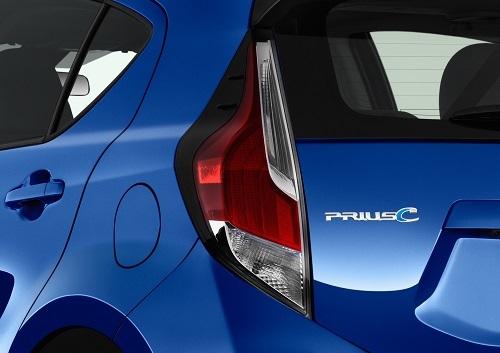 アクアは、日本以外の国ではプリウスシリーズの一員として「プリウスC」の名で販売される