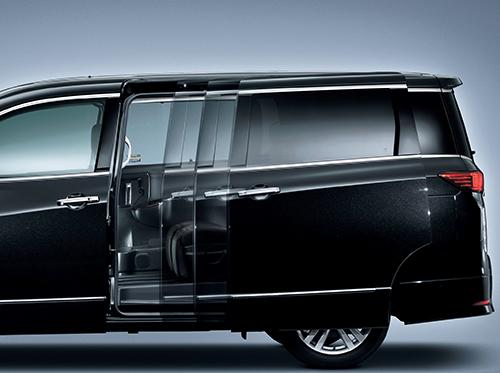 大型車から軽自動車までスライドドアの手動モデルはどんどんパワー化され、さらに利便性が高まっている