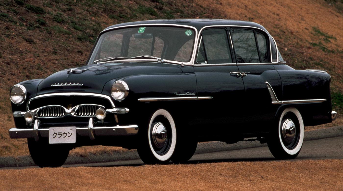 1955年に発売された初代クラウン。アメリカ車を手本としながらも純国産設計だった