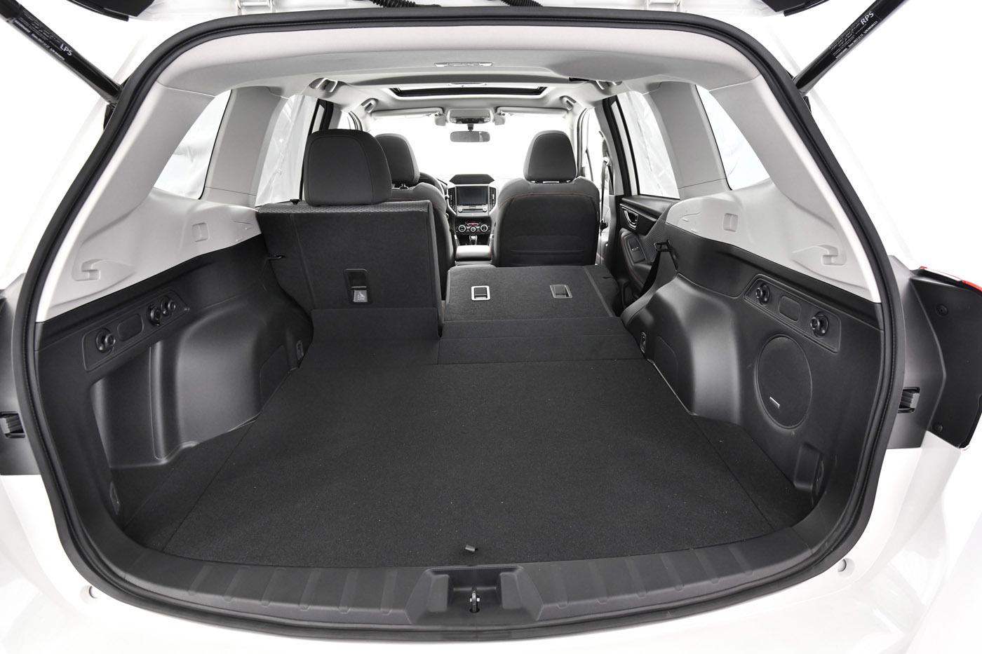 広く、使いやすくなったラゲッジルーム。SUVとバンとのクロスオーバー化が進む