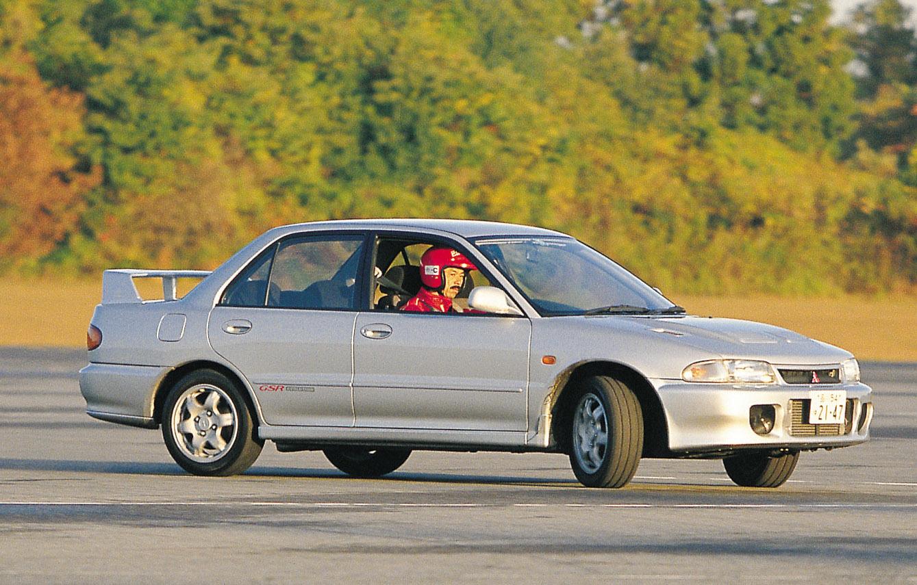 初代ランサーエボリューション。1992年9月に2500台限定で発売。わずか3日で完売し、追加で2500台が発売された
