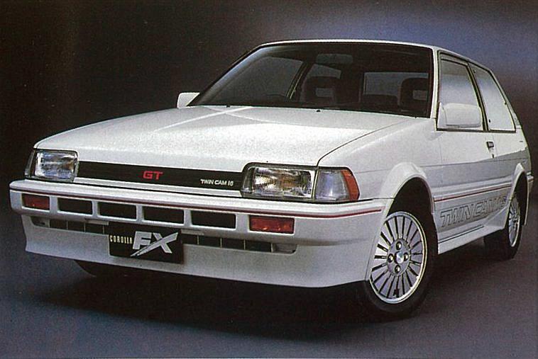 1984〜1995年に発売していたカローラFX。初代モデルには「GT」グレードが用意され、全日本ツーリングカー選手権などでも活躍した
