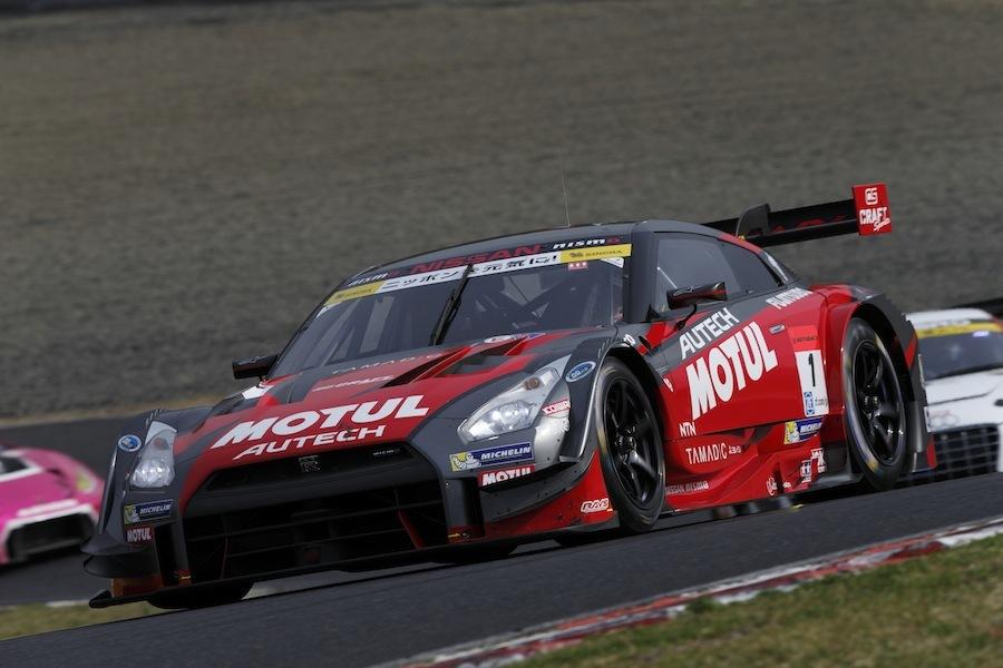松田選手が駆るMOTUL AUTECH GT-R。2015年8月の鈴鹿戦では1分47秒630で予選1位。フォーミュラ・ニッポンでは2005年4月の鈴鹿戦で、松田選手は予選2位の1分44秒747を記録している。その差3秒以下。現在のGT500のハイレベルさがわかる