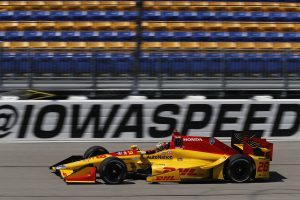 Honda's Ryan Hunter-Reay will be seeking his third consecutive Indy car win Sunday at Iowa Speedway