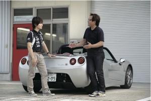 アジアン・フォーミュラ・ルノーやGP2のマシンのテスト経験もあり、新型トミーカイラZZの開発ドライバーを担当したレーシングドライバーの白石勇樹氏(左)と西川淳氏(右)