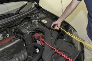 バッテリー上がりのトラブルに多い冬場に常備しておきたいのがブースターケーブル。