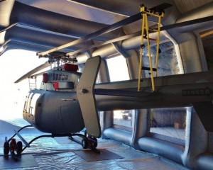 クルマだけでなく、小型ヘリでの作業などにも利用されている。