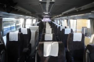 MSの試乗車は高速夜行線仕様で10列シート。各列にそれぞれ独立した3座席が設置され広くて快適!
