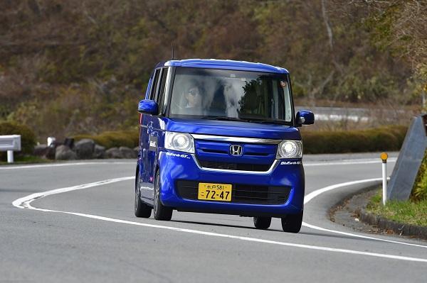 ヨコハマ タイヤ ブルー アース gt