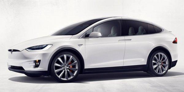 画像に alt 属性が指定されていません。ファイル名: Tesla-Model_X-2017-1600-0b-600x300.jpg