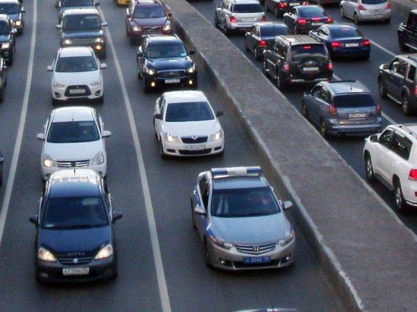 異国の街を懐かしい日本車が走る!? ロシア国内で流通する右ハンドル車事情
