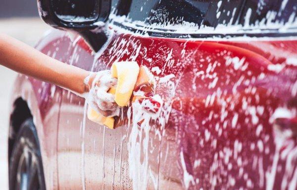 水が冷たくてツラいけど! 冬だから気を付けたい洗車のポイント