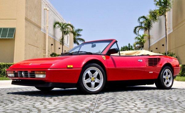 なんと中古フェラーリを買う人は120回払いが8割! 中古フェラーリの正しいローンの使い方