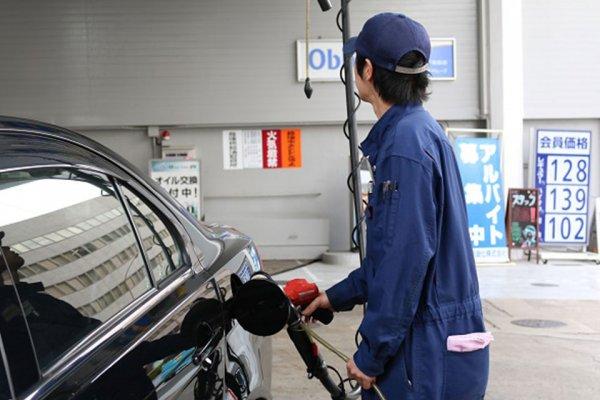 電動化時代はあと10年! ガソリンスタンドがなくなる危機!? EV急速充電器は急増するのか?