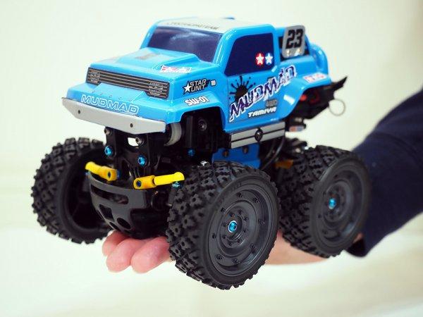 ステイホームにぴったり!! 手のひらサイズのRCカーでドライビングテクを磨こう