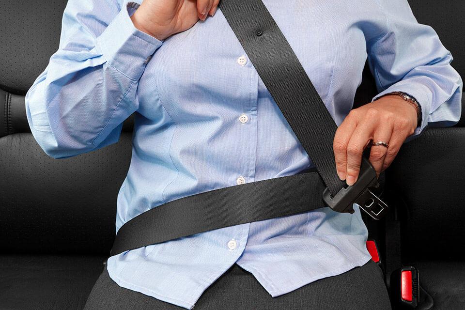 まだ6割が後席シートベルト未着用 着けて!! 着けないと自分以外に迷惑が!!