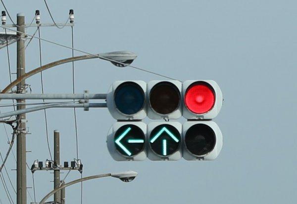 信号が変わるタイミングが事前にわかる! 知らなかった信号機のなぞ解決!