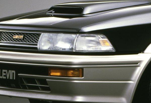 5バルブやスーパーチャージャー搭載!! FF化後も3世代で進化したレビン/トレノの最強モデルは?