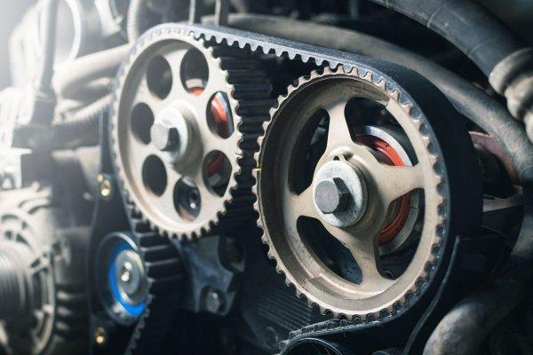 2位…最悪エンジンが壊れる場合も!? 超重要部品「タイミングベルト」 本当の寿命と復活の訳