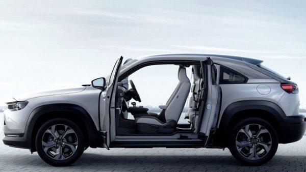 新型車でも採用されない快適性向上… なぜSUVの後席にはリクライニング機能が搭載されないのか?