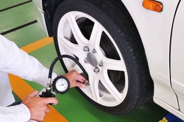 知っていましたか? タイヤの空気圧で燃費と乗り心地が激変!? 賢い調整術とは