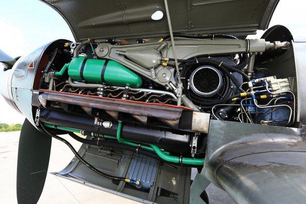 名車の起源に名機あり ダイムラー・ベンツ製のエンジン「DB605」を搭載したメッサーシュミット空撮記