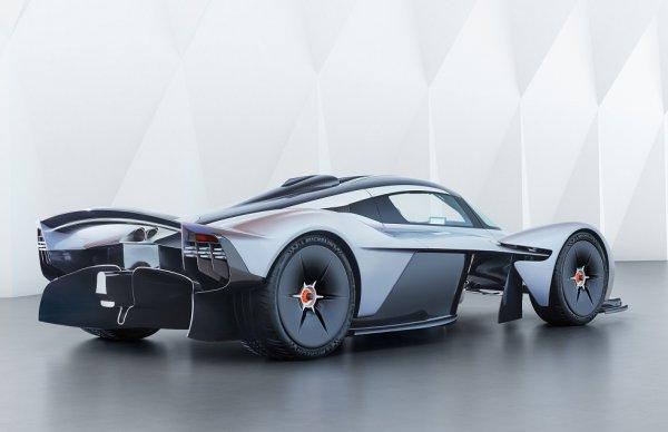 約3億3000万円超、世界限定150台! 空力の鬼才エイドリアン・ニューエイが作り上げた、「アストンマーティン・ヴァルキリー」【レースカーデザイナーが手掛けたスーパーカー】