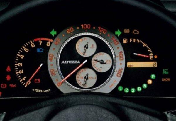 FRスポーツセダン アルテッツァは新車時不発だったが中古車になって挽回したのか?