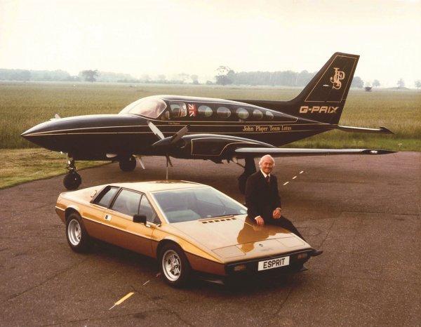 天才エンジニアにしてレース界の革命家、コーリン・チャップマンが生み出したロータスの名車たち【レースカーデザイナーが手掛けたスーパーカー】