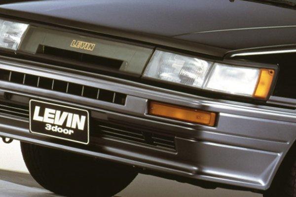 俺にとってハチロクはやっぱりAE86だ 最新中古車事情とメンテの気になるポイントを専門店に直撃!