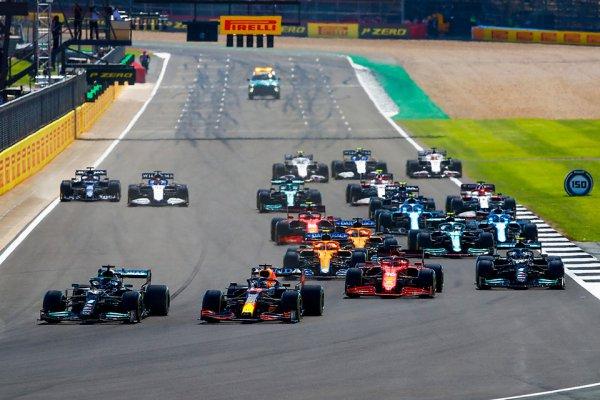 レッドブル・ホンダの優位は揺るがず 前半戦ラスト2戦でメルセデスに惨敗も、その優位の理由は[2021年F1前半戦を総括]