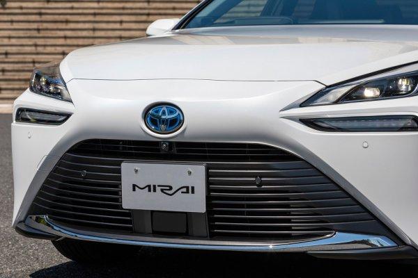 トヨタが世界を牽引中!! ホントのとこ、水素燃料はどこがスゴい? トヨタ「MIRAI」に見る、脱炭素化の未来!