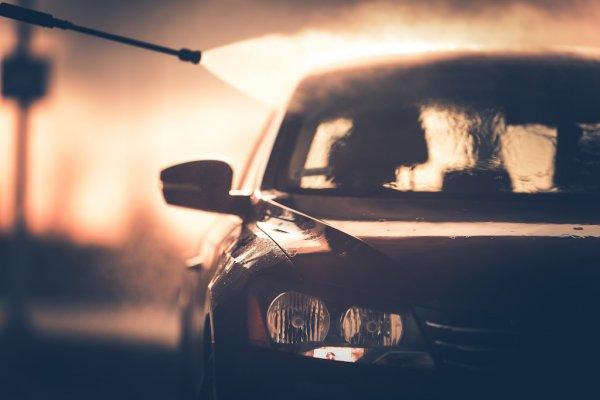 洗車しないのが究極奥義!? 1960〜90年代旧車オーナーたちの洗車事情とは