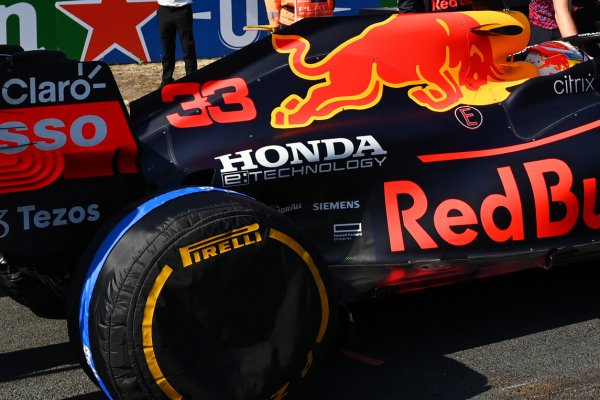 F1最強と呼ばれるパワーユニットを持つレッドブルホンダRB16B モンツァとソチの高速サーキットでメルセデスに先行を許したのは何故?