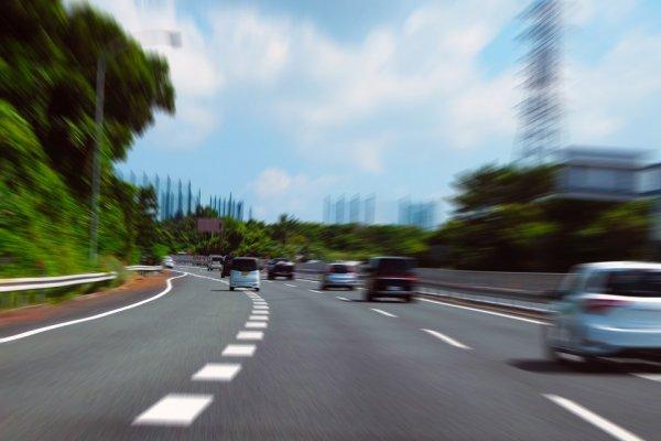 【運転技術の衰えを防ぐ】「目の筋トレ」で動体視力を鍛えて事故を防ぐ!