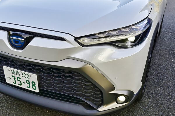 トヨタ カローラ クロス vs ホンダ ヴェゼル 両車の販売現場で聞いた人気の秘密