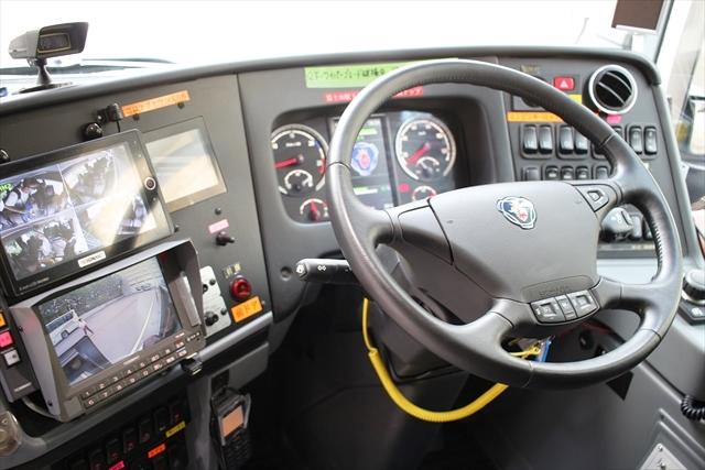 「フジエクスプレス」のスカニア・バンホールダブルデッカーを運転席を中心に観察してきた!