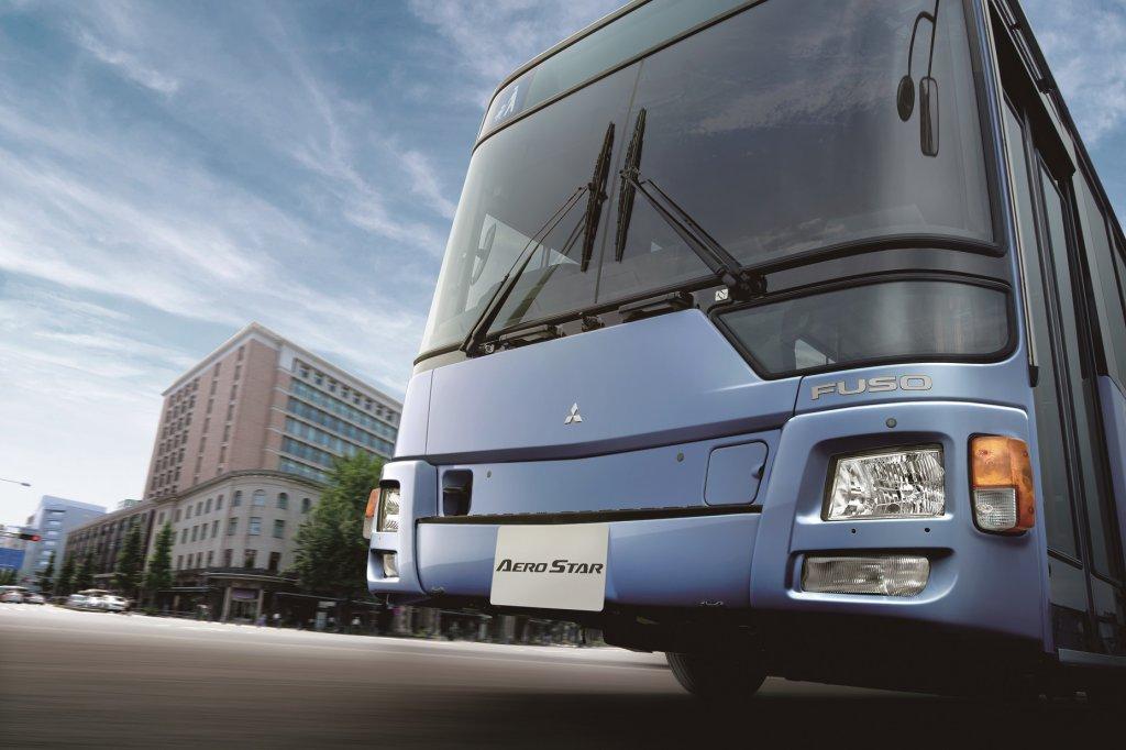 三菱ふそうが大型路線バス「エアロスター」の 新型モデルを発売